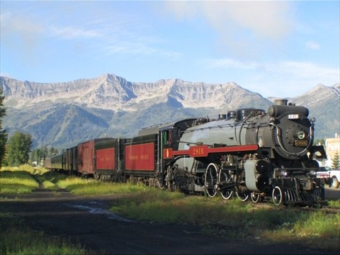 Fernie Old Steam Engine visits